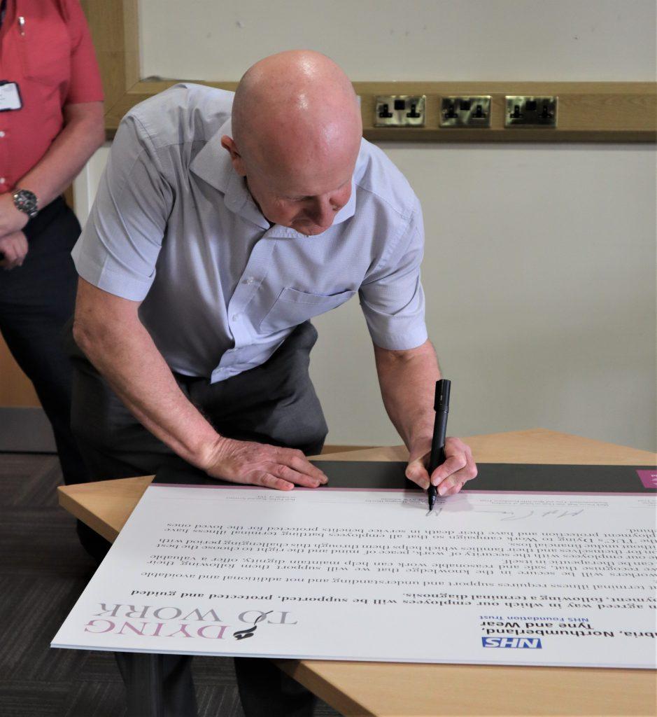 Malcom Aiston signing